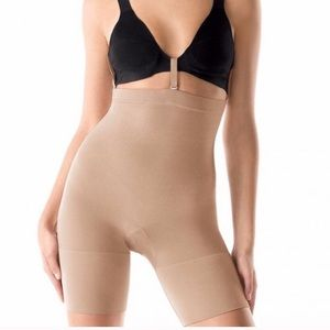 SPANX Slim Cognito® High-Waisted Mid-Thigh Short